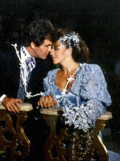 Un elemento que no puede faltar en las telenovelas son las grandes bodas, por ello recordamos algunos de los enlaces más románticos de la pantalla chica.