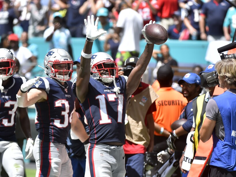 New England Patriots vMiami Dolphins