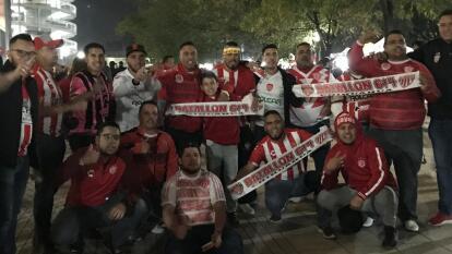 Así llegan los aficionados de Necaxa y Monterrey al Estadio Victoria.