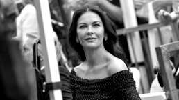 Video: Catherine Zeta-Jones enamora con su sorprendente voz