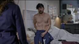 ESCENA: Olivia descubre a Arturo en la cama con otro hombre... ¡y otra mujer!