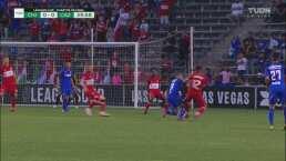¿Era penal? Orbelín cayó dentro del área pero el árbitro determinó no marcarla