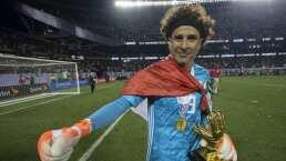 Ochoa, el único que puede superar a Carbajal en Mundiales