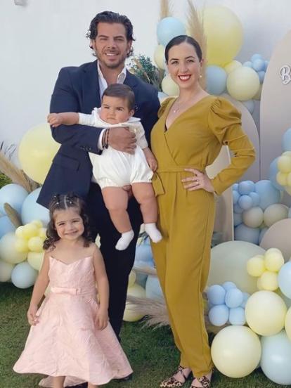 Después de las fiestas de princesas que Fátima Torre organizó hace tiempo para su hija Isabella, ahora la actriz causó revuelo en redes sociales al mostrar que bautizó a su pequeño Diego, de ocho meses de edad, con tremenda fiesta.