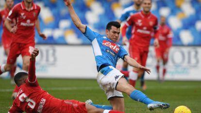 Hirving 'el Chucky' Lozano debuta en la Copa Italiana y llega a los 100 partidos en Europa, aunque no logró marcar en el triunfo del Napoli 2-0.