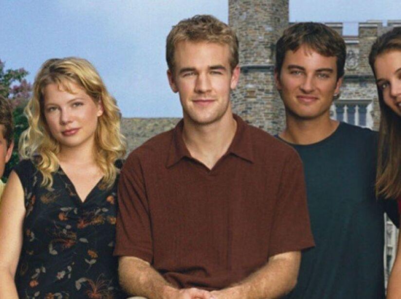 1. Dawsons Creek: Seis temporadas (1998 a 2003). Narra el paso de la adolescencia a la madurez de varios jóvenes en Capeside.