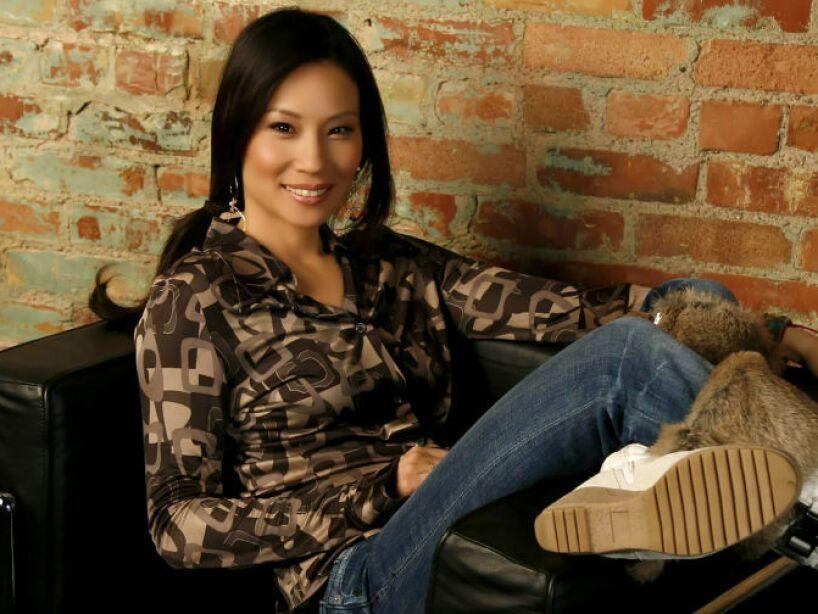 4. Lucy Liu: Empezó a trabajar a los once años en una fábrica de pijamas de su familia.
