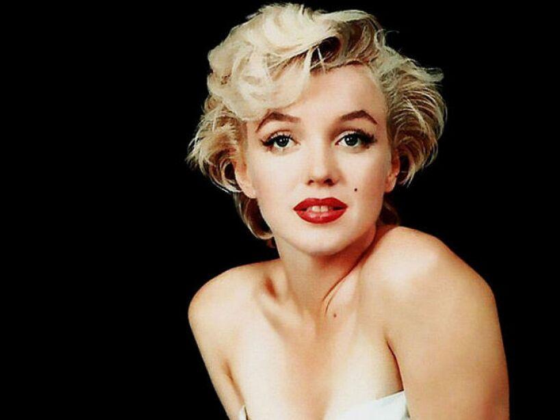 13. Marilyn Monroe: Fue hallada muerta a causa fue una sobredosis de barbitúricos, aunque dicen que fue asesinada.