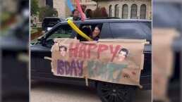 Coches, globos y música: así sorprendieron sus amigos y hermanas a Kourtney Kardashian por su cumpleaños