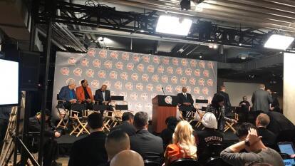 Así se vive la ceremonia para decidir que grandes estrellas de la NBA serán inmortalizados en el Salón de la Fama.