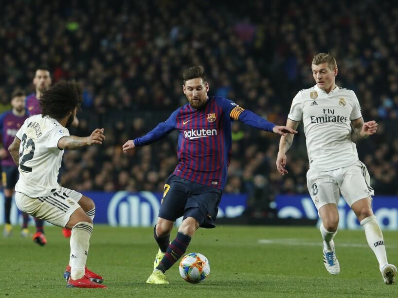 TOPSHOT-FBL-ESP-CUP-BARCELONA-REAL MADRID