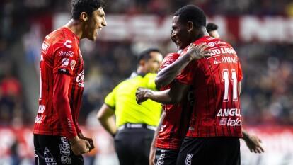En la ida de la semifinal de la Copa MX, Tijuana goleó 3-0 a Toluca y prácticamente liquidó la serie.  La vuelta se jugará el próximo 10 de marzo en el Nemesio Diez.