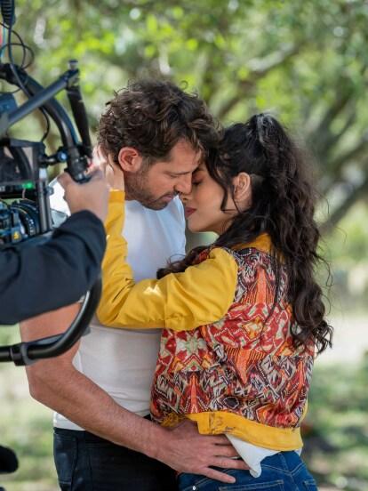 """En los primeros capítulos de """"Te Acuerdas de Mí"""", 'Pedro' y 'Vera' se conocieron y, desde ese momento, surgió el amor entre ellos."""