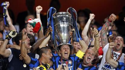 Zanetti sólo jugó tres equipos: Talleres (1992-93), Banfield (1993-95) e Inter (1995-2014). Es el jugador que más veces vistió la camiseta del Inter y el que más clásicos disputó ante Milan.
