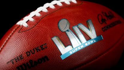 Wilson ya tiene listos los ovoides para el juego más importante de la temporada en la NFL: el Super Bowl LIV, entre San Francisco y Kansas City.