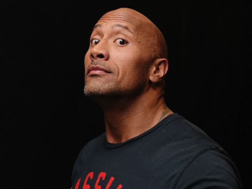 2. Dwayne Johnson: La Roca mide 1.95 centímetros de rudeza y fuerza bruta.