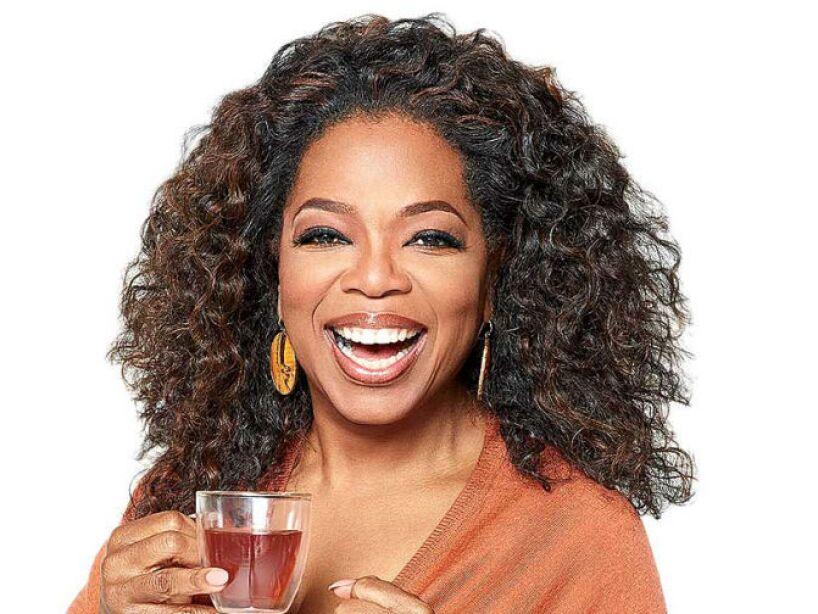 6. Oprah Winfrey: Su infancia fue tan pobre que su abuela le hacía trajes con tela de sacos de papas