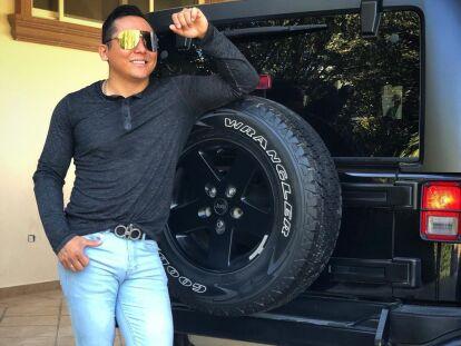 Con Ajustados Pantalones Edwin Luna Demuestra Sus Gustos Por La Moda Experiencias Bandamax