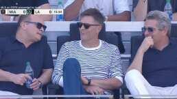 Tom Brady disfruta del choque de mexicanos en Miami