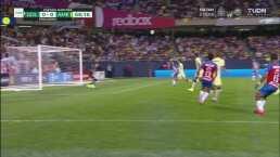 Gael Sandoval deja escapar el gol de Chivas