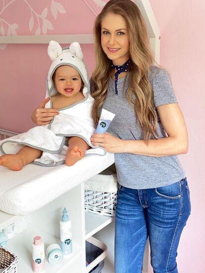 Ingrid Martz no solo deja ver su faceta de madre en redes sociales, desde hace algunos meses muestra cada rincón del hogar que comparte con su familia, desde la tierna habitación de su hija Martina hasta su baño.
