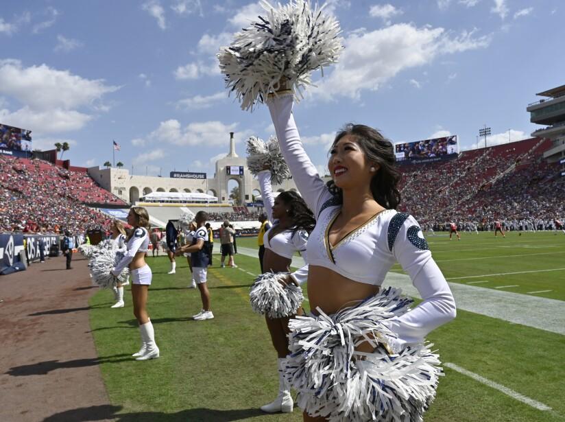 Tampa Bay Buccaneers vLos Angeles Rams
