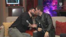 Los Miembros le piden a Mane de la Parra y a Paul Stanley que se den un beso; ellos prefieren 'pasarse' un chicharrón
