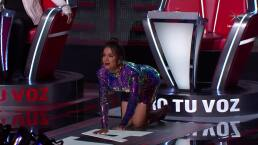 Anitta ruega de rodillas a participante
