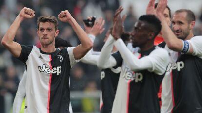 Sin Cristiano Ronaldo, la Juve sigue ganando y es líder absoluto de la Serie A; el Inter cayó con la Lazio y cae al tercer puesto mientras la Fiore golea a domicilio. Entérate de todos los resultados de la jornada dominical en la Serie A.