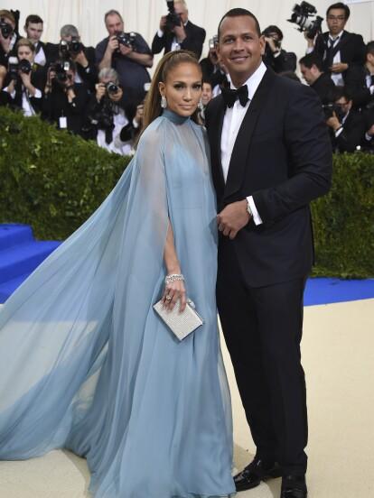 Jennifer Lopez y Alex Rodríguez dieron un paso en su relación, comprando un exuberante departamento en Nueva York.