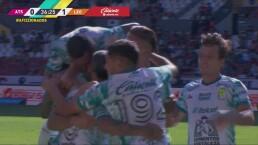 ¡Pega primero León! Emmanuel Gigliotti anota el 0-1 con un cabezazo