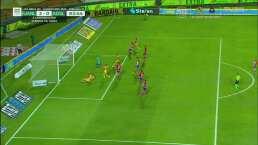 ¡Poste! Javier Aquino hizo vibrar el arco del Atlético San Luis