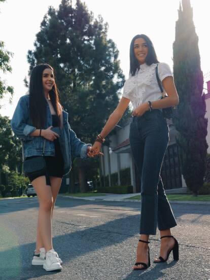 Las hijas de Biby Gaytán y Eduardo Capetillo impactan en redes sociales y a los medios de comunicación debido a su belleza, estilo y el parecido que tienen con su famosa madre.