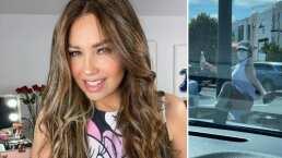 Thalía se anima a hacer pole dance con un poste de luz y su esposo estuvo ahí para grabarla