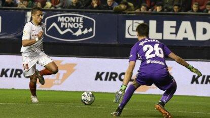 Javier 'Chicharito' Hernández no logró hacer el gol que superara al Osasuna en el enfrentamiento de hoy y se reparten los puntos. El Sevilla se coloca cuatro puntos detrás del Barcelona y Real Madrid.