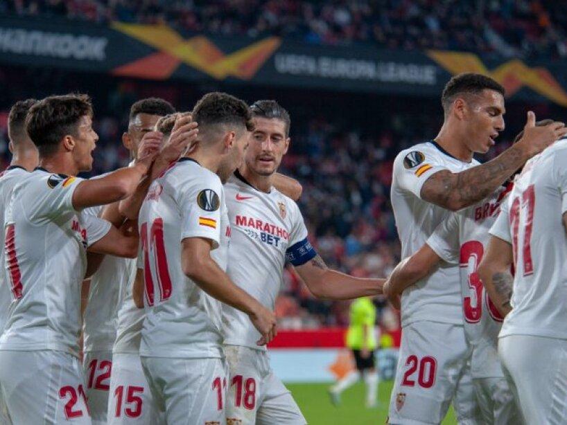 Franco Vázquez (48', 75') en dos ocasiones y Munir (78') aportaron los goles en el partido de Europa League.