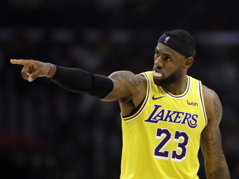 LA Lakers y New Orleans Pelicans caen al inicio de la temporada.
