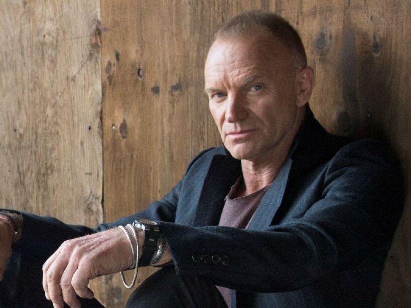 4. Sting: El cantante afirmó que una vez vio a dos fantasmas que deambulaban en su habitación en medio de la noche.