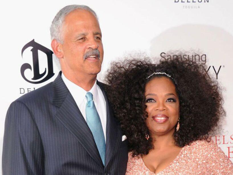 7. Oprah Winfrey: La conductora lleva 30 años de novia con Stedman Graham, sin deseos de casarse todavía.