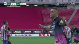 ¡Acaba la sequía! 'Cabecita' anota de penalti para 0-1 de Cruz Azul