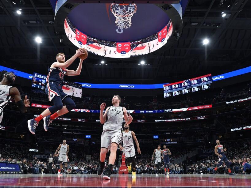 Jazz y Bucks ganaron de visita, los Knicks no caminan y todos los resultados de la NBA del 20 de noviembre de 2019.
