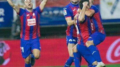 El Eibar remonta una diferencia de dos a cero y se queda con sus primero tres puntos del torneo.