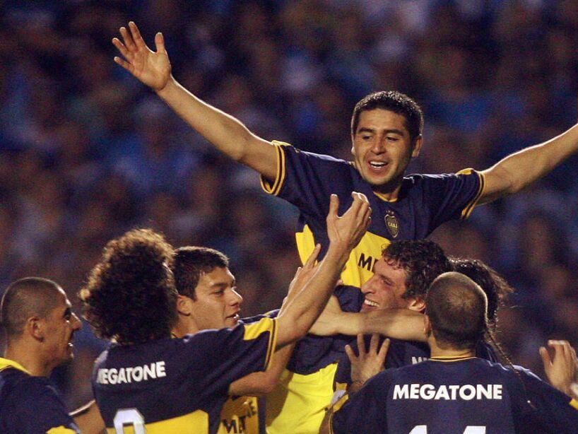 Juan Roman Riquelme (C) of Argentina's B