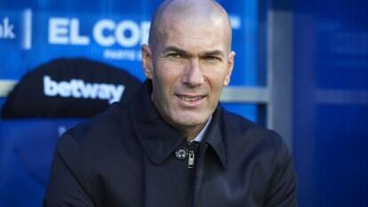 Los de Zidane continúan en la cima de La Liga luego de vencer 2-1 al Deportivo Alavés en el Mendizorroza. Ramos (52') abrió el marcador, Pérez (65') empató cobrando un penal y Carvajal (69') puso el segundo para el marcador definitivo.