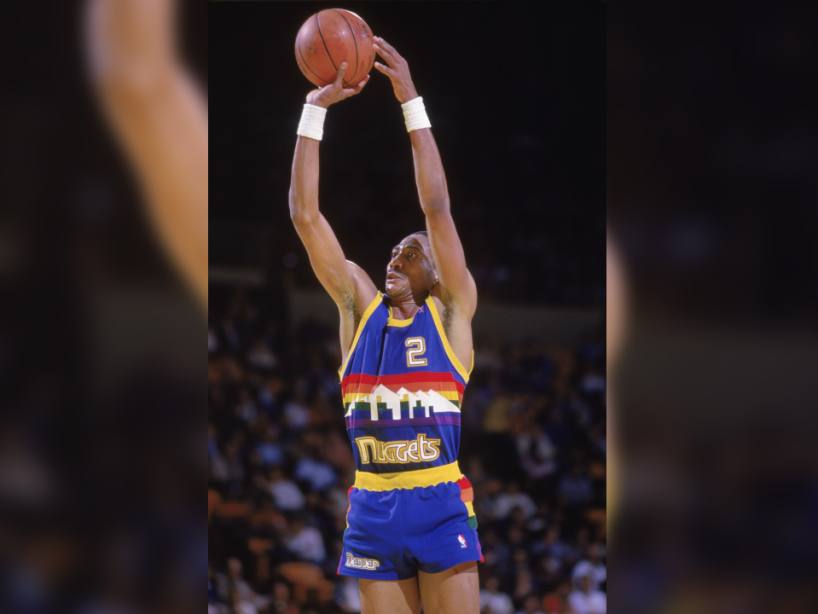 Alex English.png
