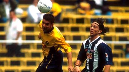Antonio 'el Tano' de Nigris jugó en 13 equipos durante nueve años de carrera, estuvo en México, Europa y Sudamérica, disputó casi 300 partidos y anotó más de 70 goles.