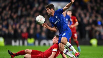Es la segunda derrota consecutiva del cuadro de Klopp; en la UEFA CL recibirán al Atlético de Madrid.  | Chelsea 2-0 Liverpool | Willian (13') y Barkley (64') anotaron los goles del encuentro. Aunque Liverpool tuvo la posesión del balón no concretaron las oportunidades.
