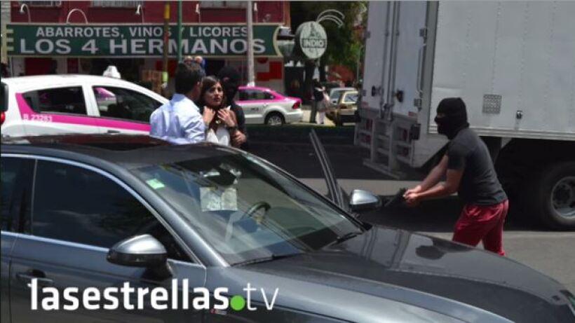 Revive: ¡Jorge y Adriana son asaltados!