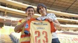Shaggy Martínez regaló su playera y cumplió sueño de un aficionado