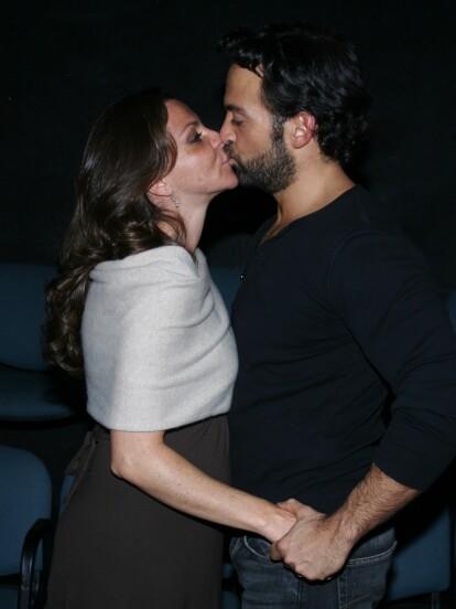 Mariana Garza, de 48 años,  y Pablo Perroni de 44 años, estarían enfrentando crisis matrimonial.